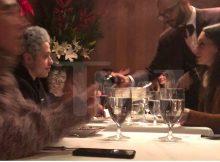 Pete Davidson en una fecha, repercutiendo con la mujer misteriosa en Nueva York