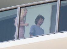 Mick Jagger es visto por primera vez desde el aplazamiento de la gira